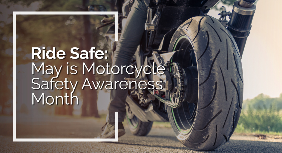 blog image of a motorcycle rider practicing safety